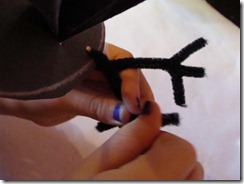 twisting the pipe cleaner feet
