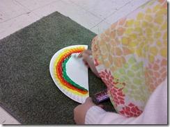 color the rainbow on the plate (Medium)