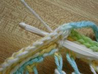 Crocheting_the_strap_to_the_bag_2
