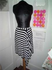 Assymetrical_skirt_front