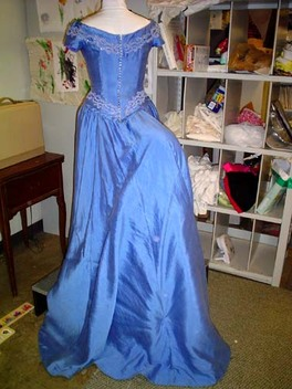 Dinner_gown_back_with_hider