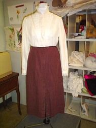 Riding_suit_skirt_front_after