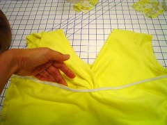 Yellow_twist_top_inside_view
