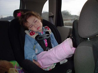 Carseat_naptime_kicked_back